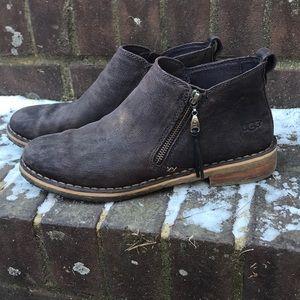 UGG Size 9 Desert Boot